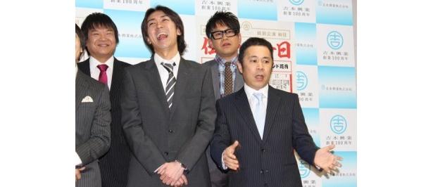 ナインティナイン・岡村隆史(右)、矢部浩之(左)