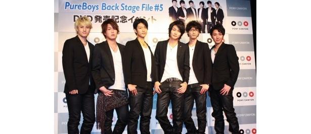 イベントに登場したPureBoysのメンバー。(左より)安藤龍、佐藤雄一、南圭介、八神蓮、永岡卓也、絲木建太