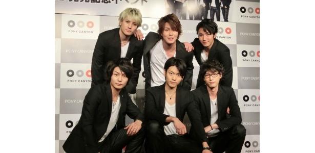 【写真】ことし初めての6人がそろったイベントなので、メンバーも楽しみにしていた