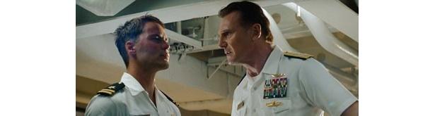 アレックスの上司でサマンサの父親であるシェーン提督役にリーアム・ニーソン