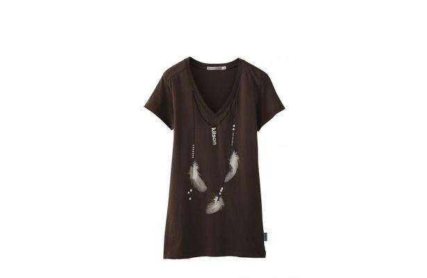 多くのセレブリティがTシャツやグッズを愛用