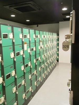 コインロッカー室