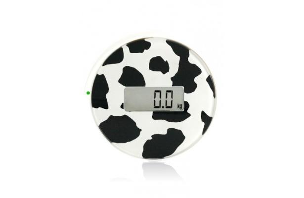 片足で体重計に乗り、5~8秒で測定が完了