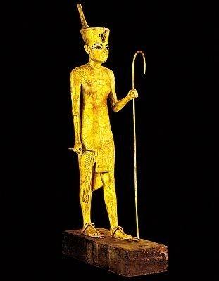 【写真】金箔張りの像も公開!下エジプト王冠を被ったツタンカーメンの像