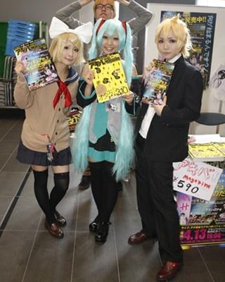 秋葉原UDXで開催された東日本大震災復興イベント「春広場」のコスプレイヤー