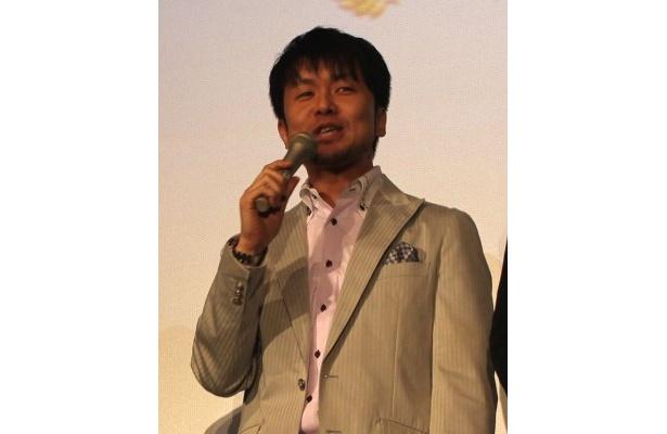 「子供と一緒にしんちゃんを見ている」と語る土田晃之