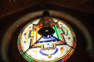 地下にある「ほとけのくに」では瞑想もできる