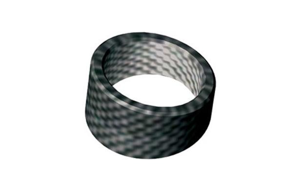 トレカを使ったアクセサリー「C-ring (カーボンリング)」(梶本博司)