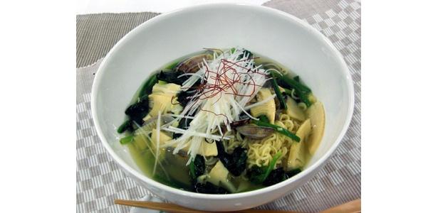 「アサリと筍のスープラーメン」。アサリの風味が日本人にはたまらない!