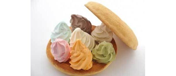 「デカメロン☆バーガー」の中のソフトクリームは、7種類まで選べる(3800円/当日注文可・個数限定)