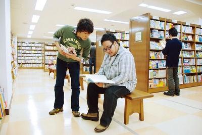 蔵書数は約140万冊。充実の品ぞろえだ