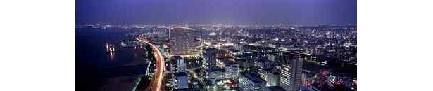 福岡市街を一望する夜景もロマンティック