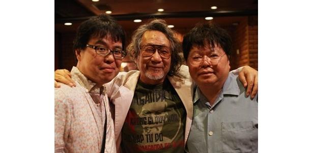 左から椹木野衣氏、大林宣彦監督、中森明夫氏