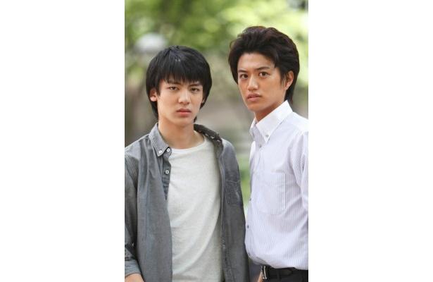 BS朝日で放送されるドラマ「青空の卵」で、ダブル主演を務めることになった阿久津愼太郎と井上正大(写真左から)