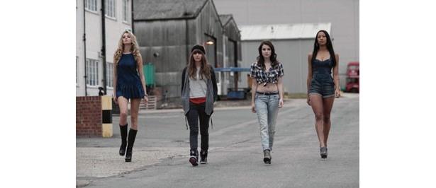 4人のセクシー美女のうち、3人が世界美女ランキング100にランクイン
