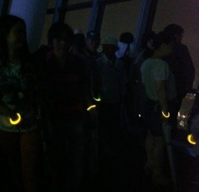 【写真を見る】ライトダウンされた天望デッキの幻想的画像はコチラ
