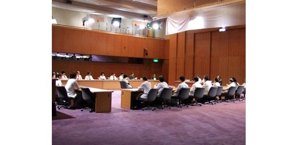名古屋国際会議場で行われたロケでは主要メンバーが勢ぞろい