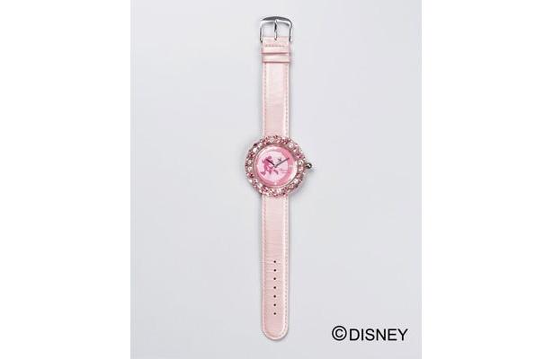 ウォッチ(2万5000円、限定1000個)はピンクのラインストーンがかわいい!
