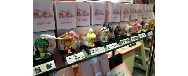 選べるキャラクターは約10種類ほど。すべて1つ300円だ