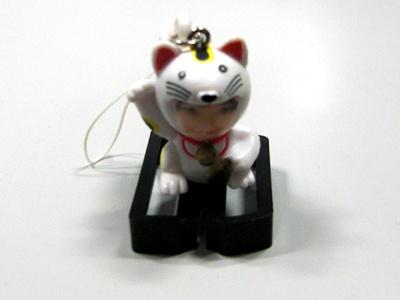 招き猫は白バージョンと黒バージョンあり