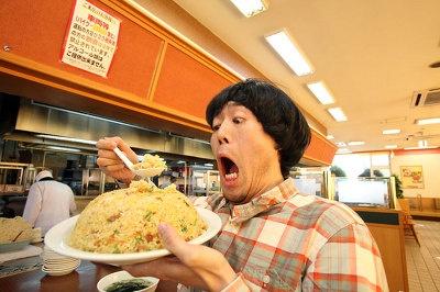 「宝塚インター店」の巨大なチャーハンに腕もつりそうになる! 部活帰りの高校生に大人気だそう