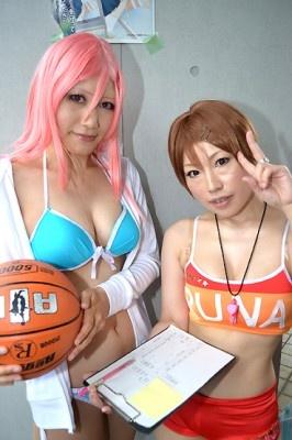 「黒子のバスケ」の桃井さつき(左)と相田リコ(右)