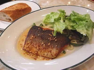 魚料理のランチは、1000円が390円で食べられる!(写真はイメージ)