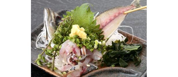 「居酒屋くいくい亭」の鮮魚の刺身¥10
