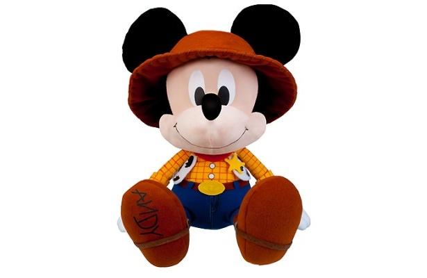 10月発売の「一番くじ」との連動企画でもらえる「トイ・ストーリー」ファッションのミッキー