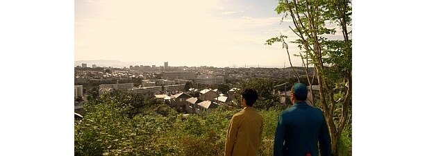 やってきたのは、お馴染みの裏山。景色がきれい!