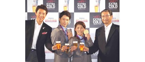 アサヒビール株式会社代表取締役社長・小路明善氏と共にPR
