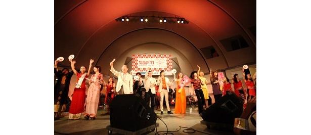 ベトナムのトップシンガーが日本のアーティストと競演を果たす
