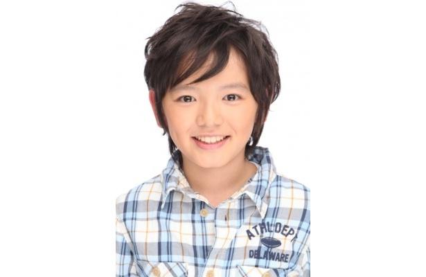 【写真を見る】ツマ(宮崎あおい)に淡い恋心を抱く不登校の少年を演じる濱田龍臣