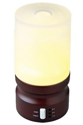 超音波でミストを拡散する。ブナの木材と柔らかい灯りで、ナチュラルなデザイン。LEDライト内蔵