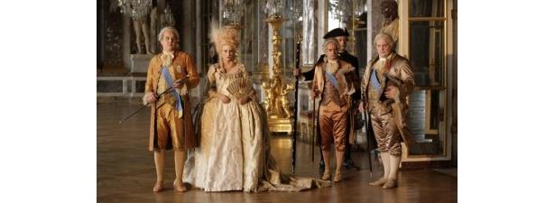 【写真を見る】本物のベルサイユ宮殿でロケを敢行!マリー・アントワネットを演じるのはダイアン・クルーガー
