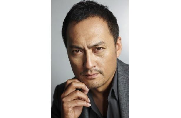 イーストウッド版でイーストウッドが演じていた役を演じる渡辺謙