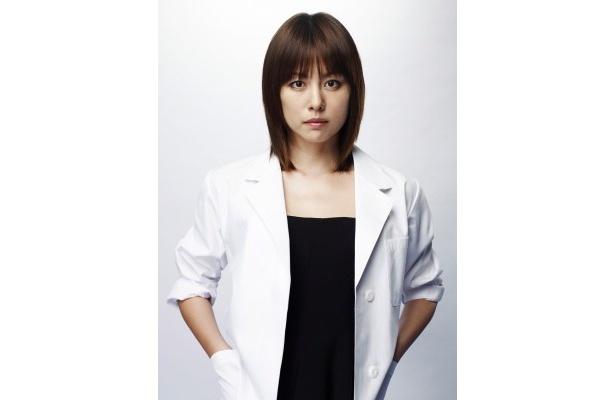 【写真】美しすぎる外科医・未知子を演じるのは米倉。こんな医師なら手術も歓迎!?