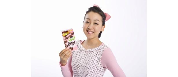 【写真】新食感のチョコレートをPR