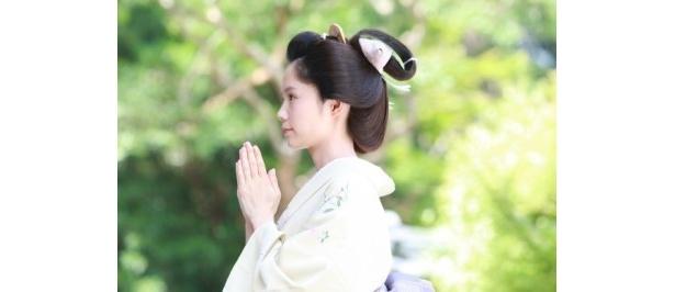宮崎あおいが扮したえんは、岡田准一扮する主人公・安井算哲の妻役