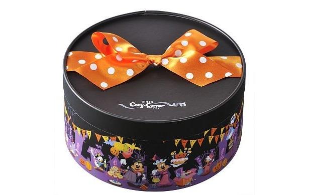 【写真を見る】水玉のリボンが女ゴコロをくすぐる…!ディズニーのハロウィン限定スイーツを公開!!