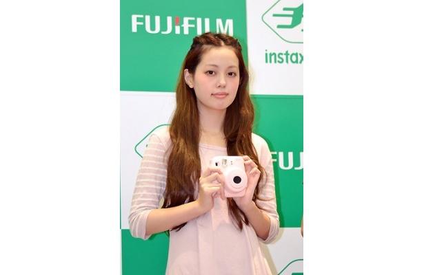 青柳文子さんのイメージカラーはピンク