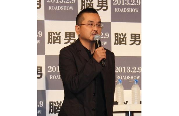 メガホンを取った瀧本智行監督