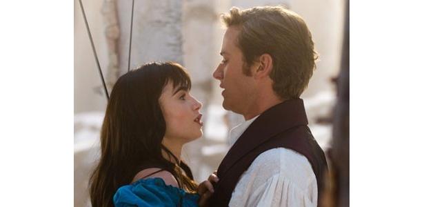 おとぎ話とは違い、本作ではお姫様が王子様を救いにやってくるのだ