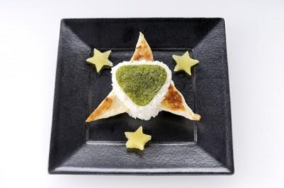 星井美希をイメージした「美希のおにぎり餃子なの✩」(500円)