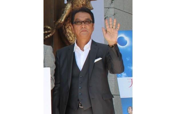 滝田洋二郎監督も晴れやかな表情でセレモニーに登場