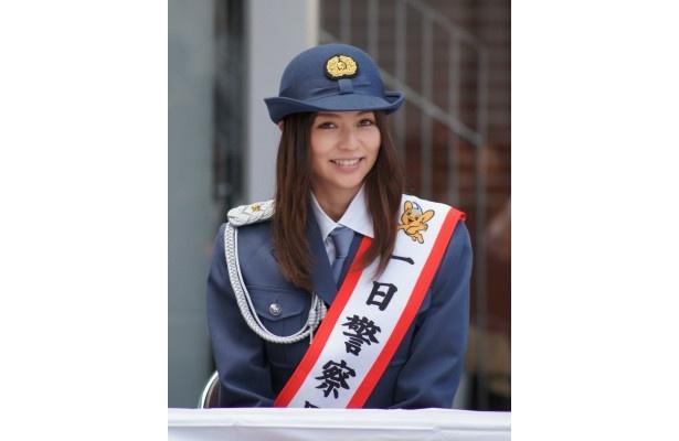 渋谷警察署の一日警察署長を務めた香里奈