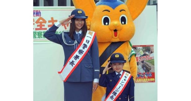 【写真】交通安全イベントに登場した香里奈と小林星蘭ちゃん(写真左から)