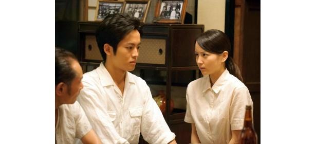 「梅ちゃん先生~結婚できない男と女スペシャル」では、信郎(松坂桃李)に浮気疑惑が持ち上がり、夫婦に危機が!?