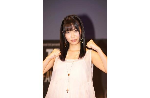 記者会見にスペシャルゲストとして登場したHKT48・指原莉乃