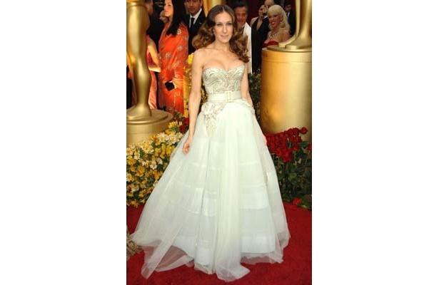 胸元を強調したドレスに目がクギ付け!サラ・ジェシカ・パーカー